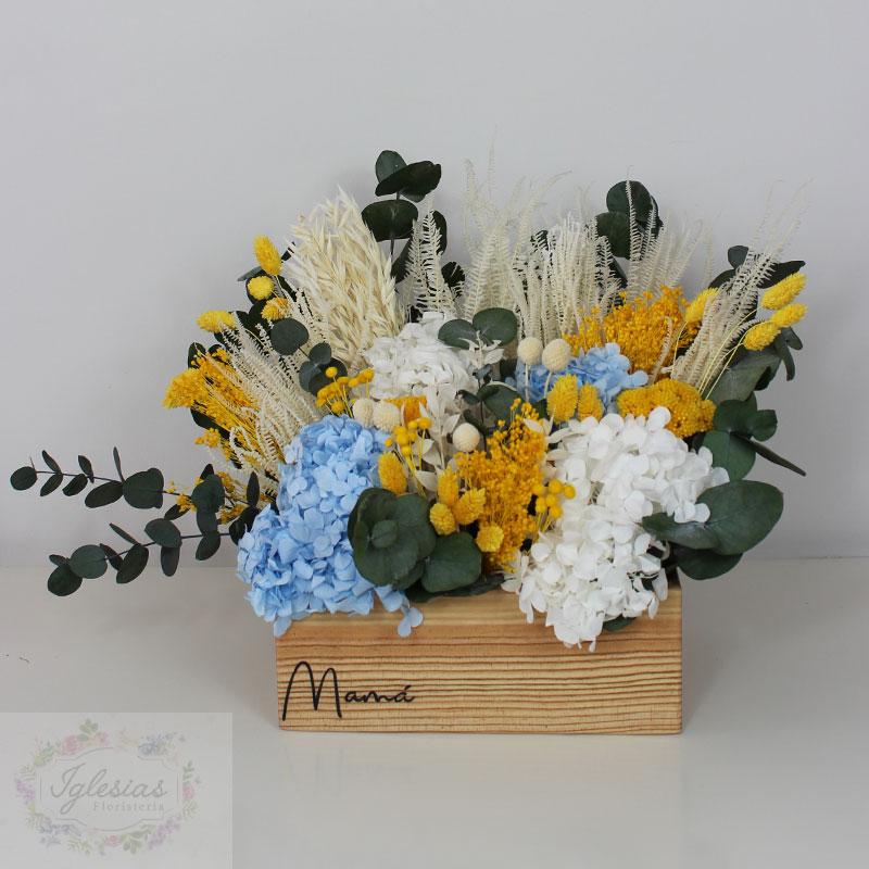 caja-flores-preservadas-azul-y-amarilla-mama
